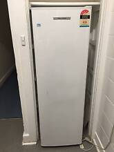 FISHER & PAYKEL C270 FRIDGE 266 LITRES Sandringham Bayside Area Preview