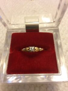 Genuine Real 10 kt Gold and Diamond Ladies Ring