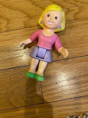 Fisher Price loving Family My First Dollhouse PEOPLE BLONDE MOTHER  / MOM  doll