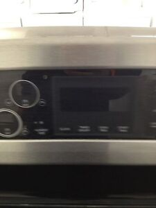 LG stainless glass top convection stove Stratford Kitchener Area image 3