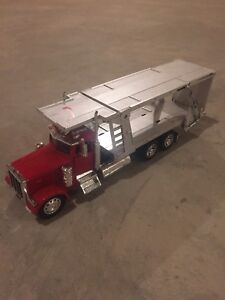 Diecast flat bed Peterbilt 379 new ray