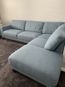 Light blue corner lounge with chaise