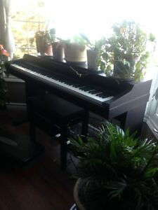 88 key weighted electric piano