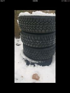 185/60R14 5x100 Snow tires great condition
