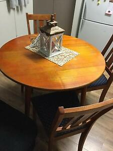 Dining Table and chairs Eagleby Logan Area Preview