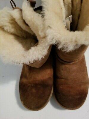 Ugg Kids Classic Short II Chestnut Suede Boots Size 2/ EU 32