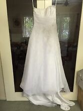 Embroidered size 10 white wedding dress Cannington Canning Area Preview