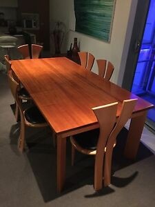 Marble Round Dining Table Dining Tables Gumtree Australia Free Local Clas