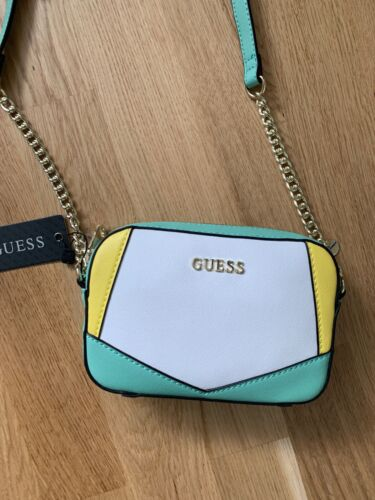 GUESS Handtasche Umhängetasche Tasche NEU m. Etikett in Mintgrün Gelb & Weiß