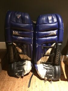 Vaughn leather goalie pads size 32