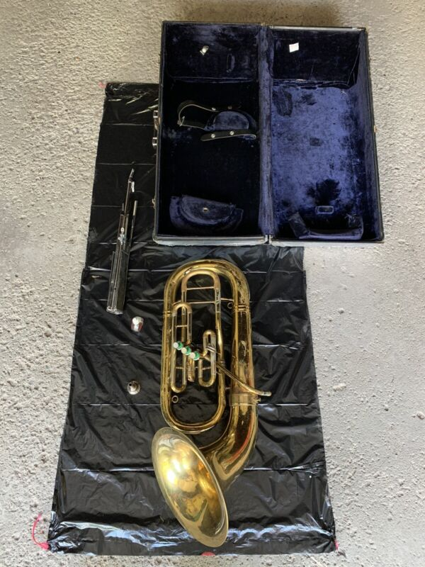 Bundy made by Selmer 3 Valve Baritone Horn w case, stand