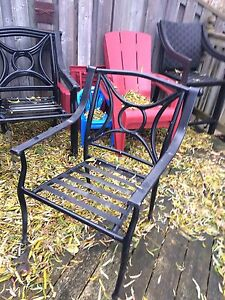 Patio table and four chairs London Ontario image 2