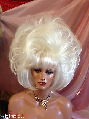 HALLOWEEN SPECIAL VEGAS GIRL WIGS BIG PAGE   FLIP OVER TOP - Vegas Halloween Girls
