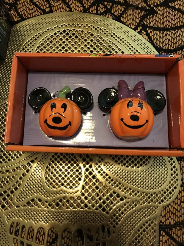 Disney Mickey Mouse & Minnie Mouse Halloween Pumpkin Salt & Pepper Shakers2021