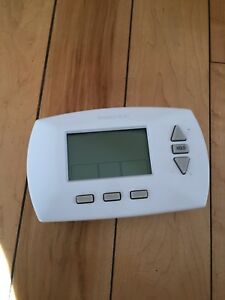 Thermostat Honeywell programmable 5+1+1