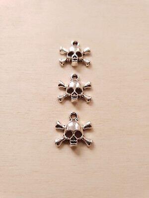 3 x Totenkopf Schmuckanhänger * Halloween Pirat Schädel * Deko Charms Silber ()