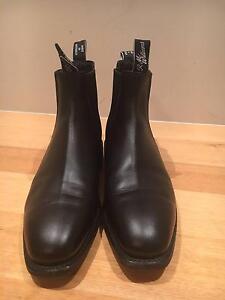 RM Williams, Comfort Craftsmen, 8.5 F Black Leather Hawthorn Boroondara Area Preview