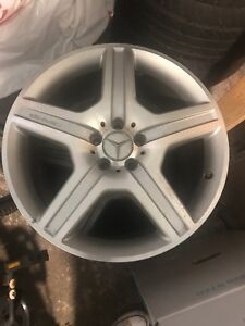 19 inch Mercedes rims (GOOD CONDITION)