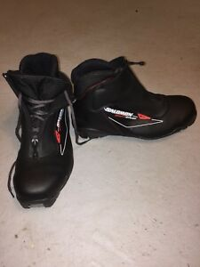Cross country ski boots size 9