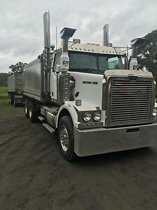 Westernstar 4800 fx truck and dog Berry Shoalhaven Area Preview