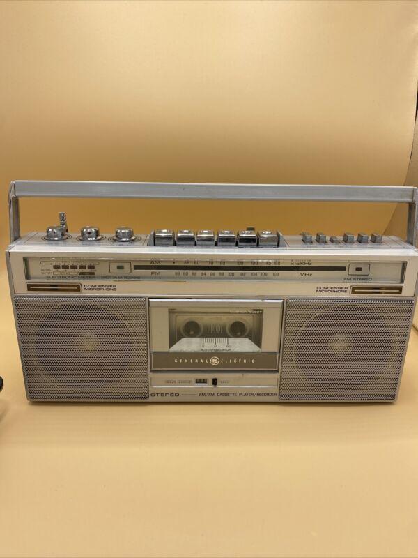 GE 3-5285 AM FM CASSETTE STEREO BOOMBOX General Electric WORKS Read Description