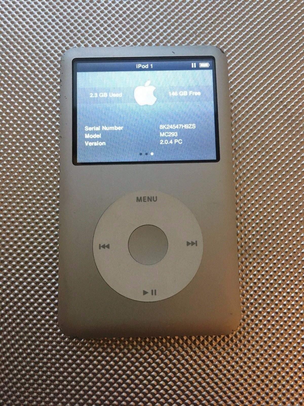 apple ipod classic 7th generation silver 160gb latest. Black Bedroom Furniture Sets. Home Design Ideas
