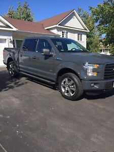 16 F150 XLT Sport 4X4 / Panoramic Sunroof / Fully loaded