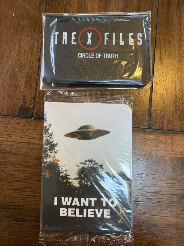 Loot Crate X-Files XFiles Show Pocket Size Journal & Circle Of Truth Card Game