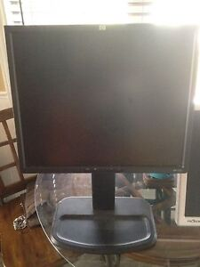 """Ultra view and HP 18"""" monitors for sale"""