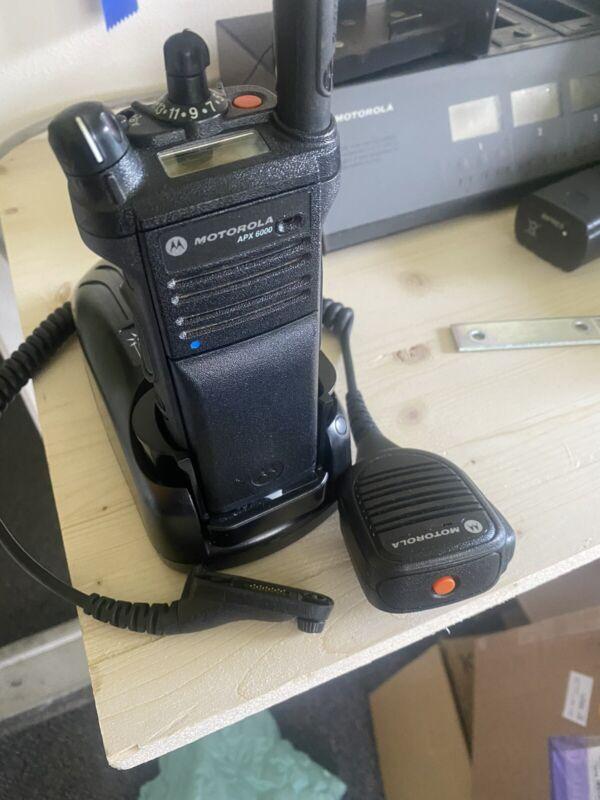 MOTOROLA APX6000 VHF