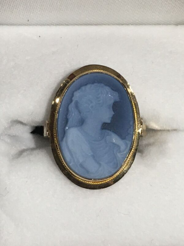 14k Gold Blue Cameo Ring (Size 7.5)