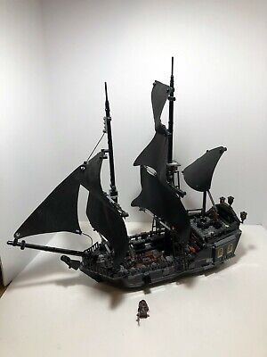 LEGO Pirates of the Caribbean: The Black Pearl  4184 Retired.