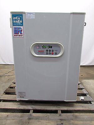 Sanyo  CO2 Laboratory Incubator Model  MCO-18AIC Used