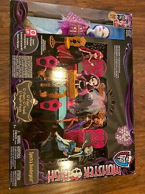 13 Wishes Dolls (Monster High 13 Wishes Party Loung Play Set with Spectra Vondergeist)