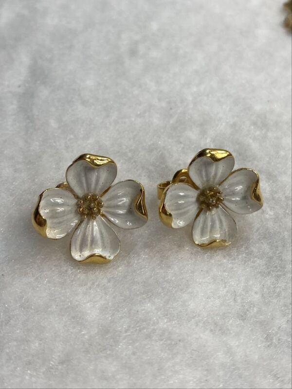 Vintage CROWN TRIFARI Gold White Enamel Dogwood Flower Blossom Clip on Earrings
