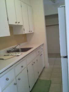 $870 great 1 bedroom with a balcony in a quiet community