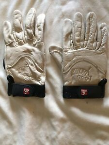 Land Yachtz long boarding gloves