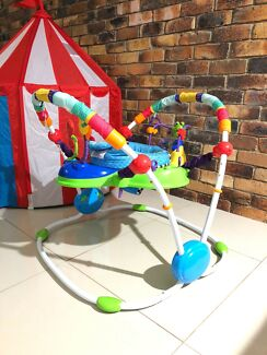 Kids II baby jumper