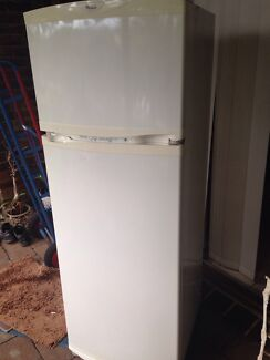 Whirlpool fridge freezer Northbridge Willoughby Area Preview