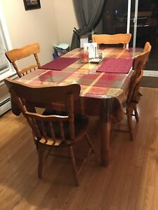 Solid Wood Dining Room Table and Chair Set