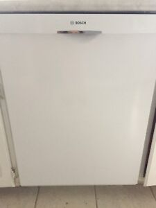 Bosch 300 dishwasher - used but in great condition