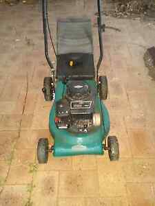 Lawn mower Briggs and Stratton 450 Series 148cc Scarborough Stirling Area Preview