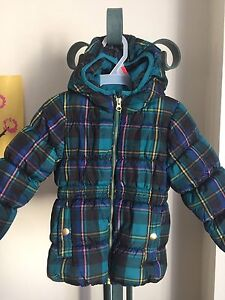Lot of 8 girls coats & accessories (size 2T)