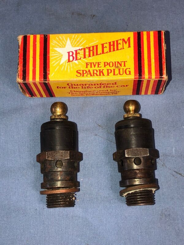 NOS Vintage Antique Air Cooled 18mm Motorcycle Spark Plugs Indian Excelsior Thor