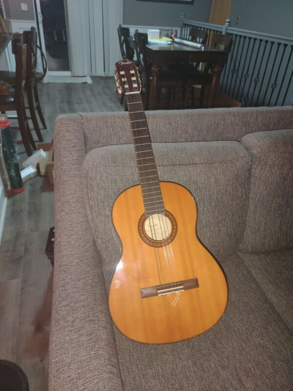 Fender CG-7 Classical Guitar