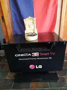 Free tv stand and water fountain Canley Heights Fairfield Area Preview