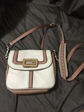 Guess bag , only been used once , in very good condition !! Durack Brisbane South West Preview