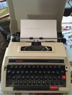 Typewriter BROTHER Port Macquarie 2444 Port Macquarie City Preview