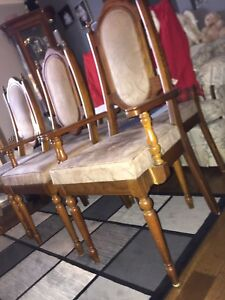 6 Dining room chairs for sale.