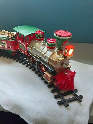 VTG North Pole Express Christmas Train Set Musical Locomotive Caboose Tested